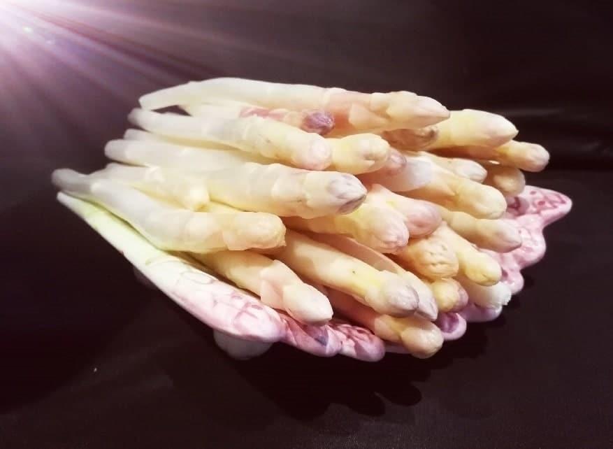 Crêpes alsaciennes : asperges & sauce blanche